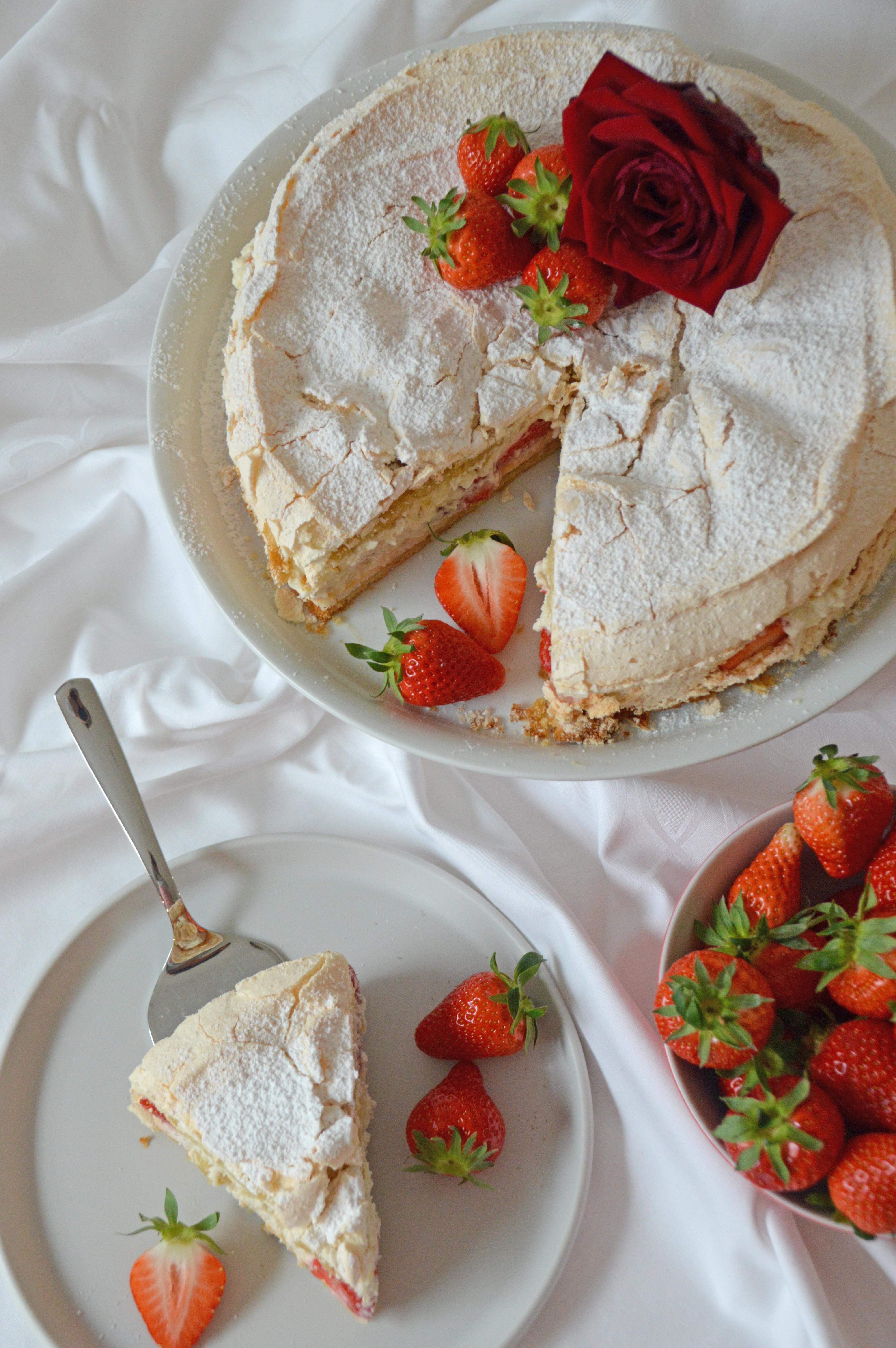 Erdbeer-Baiser Torte 2
