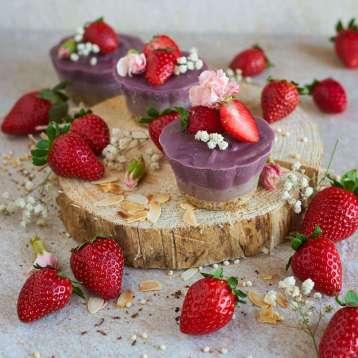 erdbeer-champagner-raw-toertchen-facettenreich-vegan